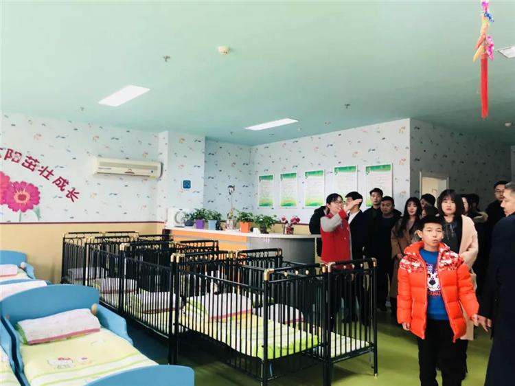 儿童福利院宝宝生活区